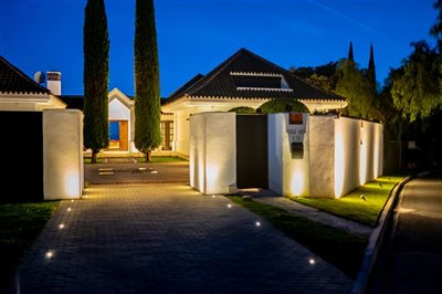 Luxury villa for sale in Benahavis Costa del Sol