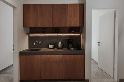 guest-bedrooms-kitchen-facility