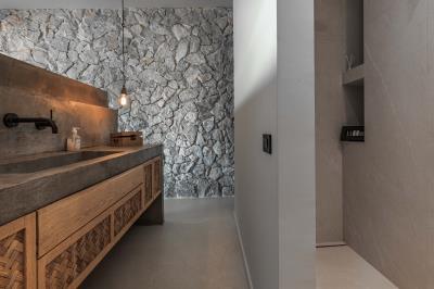 master-bedroom-bath1