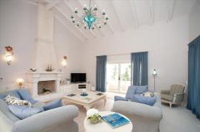 Image No.6-9 Bed Villa for sale