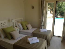 Image No.28-9 Bed Villa for sale