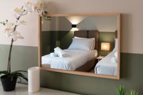 Image No.0-Un hôtel de 18 chambres à vendre à Athènes