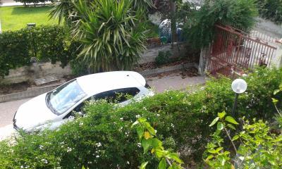 Secured-Parking-6-Cars