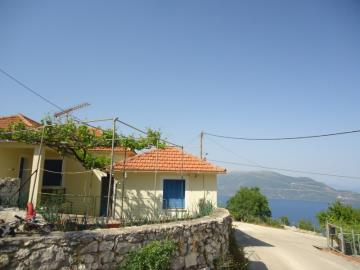 Traditioanl-house-for-sale-6