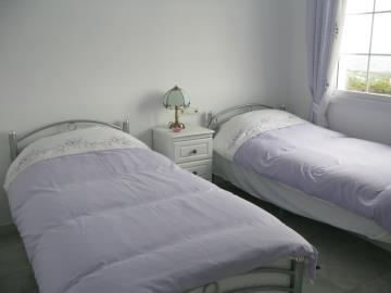 IMG_8191-bedroom-2