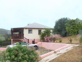 Image No.2-Maison / Villa de 2 chambres à vendre à English Harbour Town