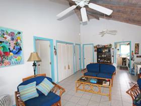 Image No.4-Chalet de 2 chambres à vendre à English Harbour Town