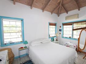 Image No.8-Chalet de 2 chambres à vendre à English Harbour Town