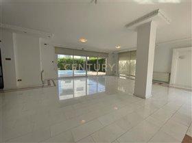 Image No.2-Maison de 6 chambres à vendre à Limassol