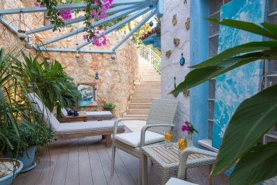 villa-olivia-the-turquoise-collection---11-