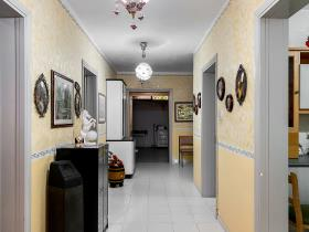 Image No.12-6 Bed Bungalow for sale