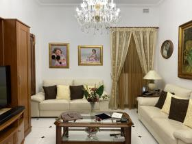 Image No.4-6 Bed Bungalow for sale