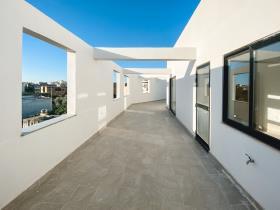 Image No.1-Penthouse de 1 chambre à vendre à Zejtun