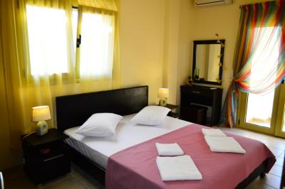 House-for-sale-in-Tavronitis-Chania-bedroom3