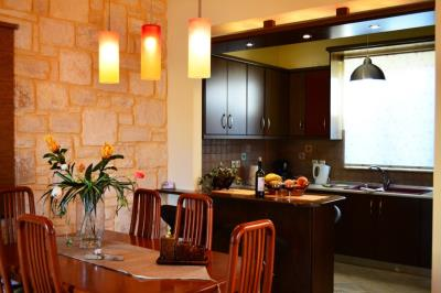 House-for-sale-Tavronitis-Chania-dining
