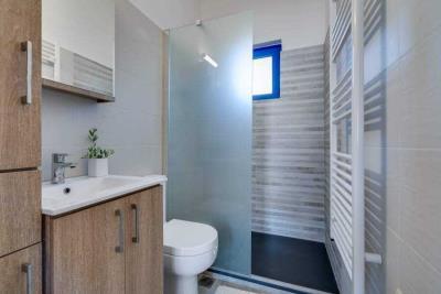 04-1891_ktimatoemporiki-Seaview-apartment-for-sale-in-Kokkino-Chorio-18