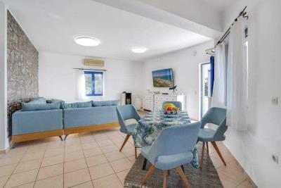 04-1891_ktimatoemporiki-Seaview-apartment-for-sale-in-Kokkino-Chorio-19