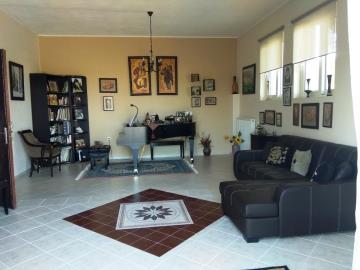 Villa-for-sale-in-Chania-Crete-with-a-large-studio