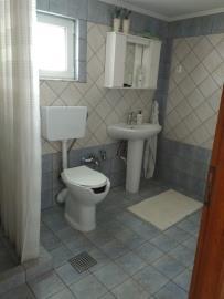 Villa-for-sale-in-Apokoronas-Chania-Crete-with-guest-apartment-toilet