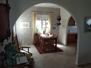 Villa-for-sale-in-Chania-Crete-dining-area