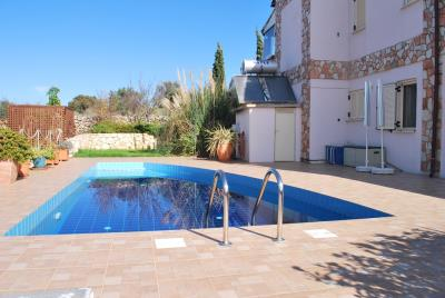 House-for-sale-in-Chania-Vamos-Pool