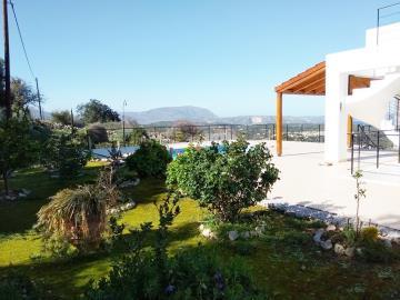 House-for-sale-in-Apokoronas-Chania-garden