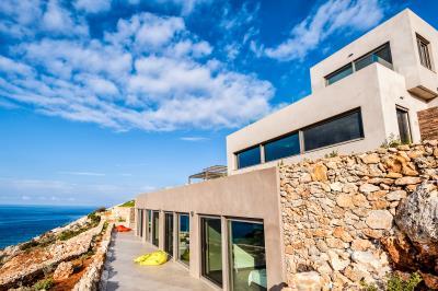 bedrooms-terrace---luxury-seafront-villa-crete-2