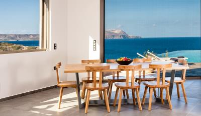 dining-area-luxury-seafront-villa-crete