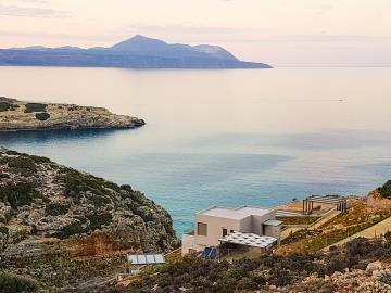 luxury-seafront-villa-crete-over-the-gorge