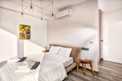 master-bedroom-3--luxury-seafront-villa-crete-2