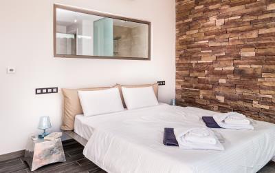 master-bedroom-4--luxury-seafront-villa-crete
