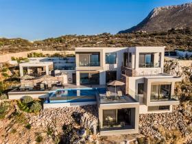 Image No.3-House/Villa for sale