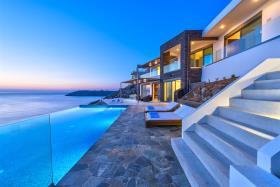 Image No.1-House/Villa for sale