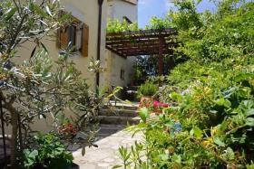 Image No.0-Maison / Villa de 5 chambres à vendre à Rethymnon