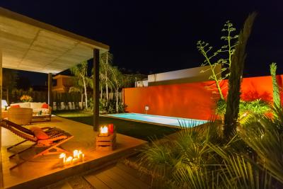 Pool-area-night