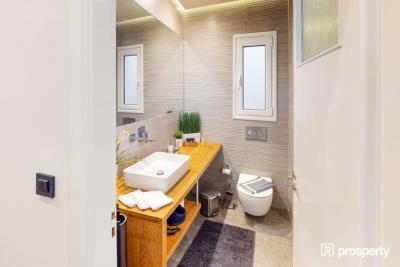 Acropolis-Bathroom-1-