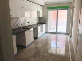 Image No.2-Appartement de 3 chambres à vendre à Oba