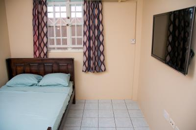 Upstairs-Bedroom-2b