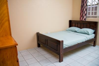 Upstairs-Bedroom-2a
