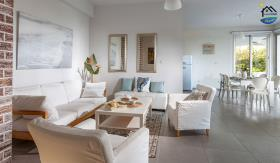 Image No.1-8 Bed Villa for sale