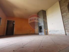Image No.34-4 Bed Villa / Detached for sale
