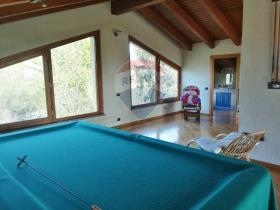 Image No.12-3 Bed Villa / Detached for sale