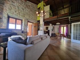Image No.2-2 Bed House/Villa for sale
