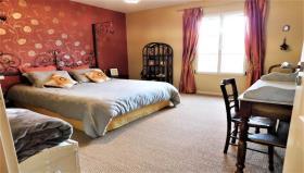 Image No.20-Maison de campagne de 6 chambres à vendre à Bize-Minervois