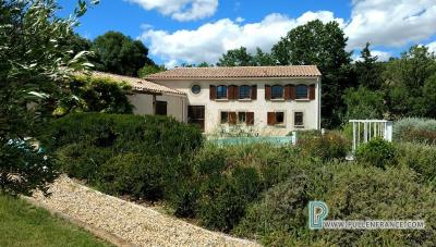 Country-house-with-views-Minervois-France-4