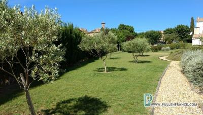 Country-house-with-views-Minervois-France-9