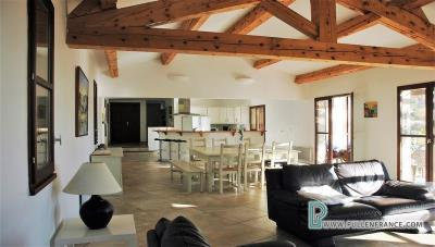Country-house-with-views-Minervois-France-14