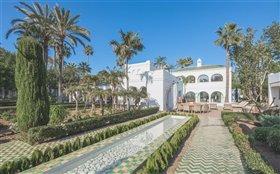 Image No.0-Villa de 7 chambres à vendre à San Pedro de Alcantara