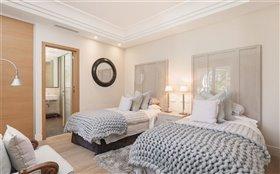 Image No.10-Villa de 7 chambres à vendre à San Pedro de Alcantara