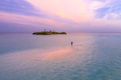 Jovi-Laggon-Caye-distant-shot-copy